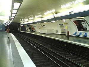 Jussieu (Paris Métro) - Image: Metro 10 Jussieu