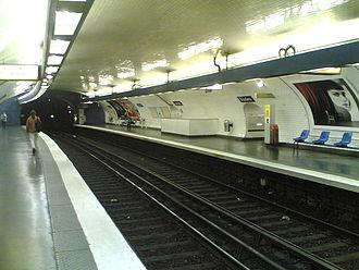 Paris Métro Line 10 - Platform of the station Jussieu.