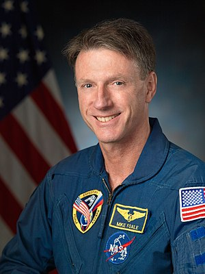Michael Foale - Image: Michael Foale official astronaut portrait