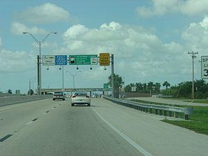 Midpoint Memorial Bridge - Image: Midpoint Bridge Toll Plaza