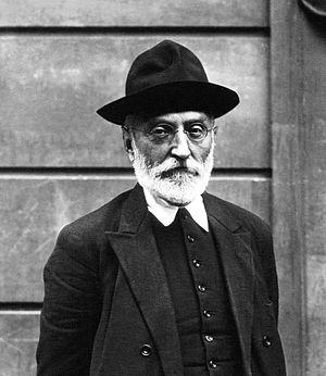 Miguel de Unamuno - Miguel de Unamuno in 1925