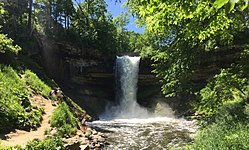 Minnehaha Falls, Minneapolis.jpg