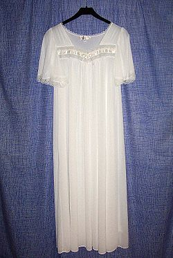 meaning of nightgown