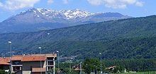 La Serra, morena lunga 25 km che chiude l'Anfiteatro morenico di Ivrea, in Piemonte.