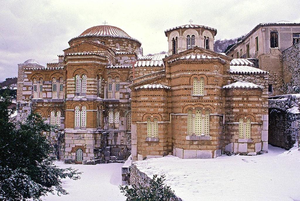 Monastery of Hosios Loukas winter.jpg