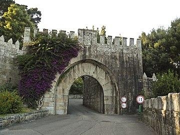 Monterreal - Baiona Porta 2.JPG