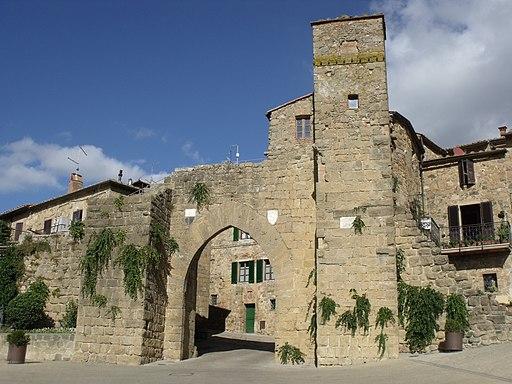 Monticchiello, Porta Sant Agata