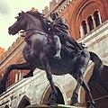 Monumento Farnesiano-Piacenza.jpg