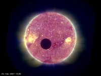 Ofbeeldienge:Moon transit of sun large.ogv