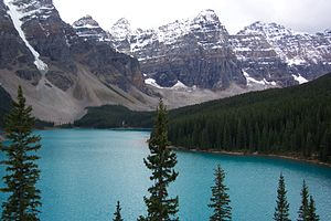 Moraine lake in Banff national park.jpg
