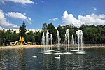 Moscow, Lianozovo Park - ponds and fountains (31525186381).jpg