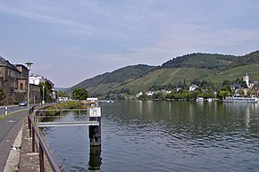 Mosel River at Bullay.jpg