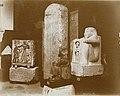 Musée égyptien - Intérieur d'une salle - statue de Khaiya, prêtre de haut rang, gardien du trésor de la chapelle funéraire de Ramsès II - Le Caire - Médiathèque de l'architecture et du patrimoine - AP62T163559.jpg