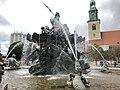 Neptunbrunnen 019.jpg
