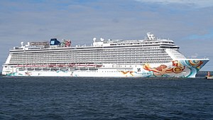 Norwegian Getaway departing Tallinn 27 June 2017 (cropped).jpg