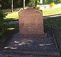 Nuelles - Monument aux morts (juil 2018).jpg