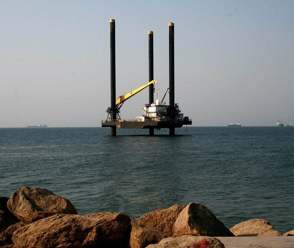 Offshore platform on move to final destination, Ilha de Luanda