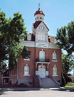 Old Beaver County Ut courthouse.jpg
