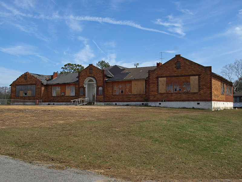 Old Thorsby Elementary School Feb 2012 01.jpg