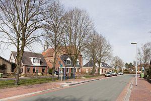 Holwierde - Hoofdweg (Main Road) and Stefanuskerk (Stephen Church) in Holwierde in 2010