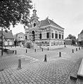Overzicht voorgevel en rechter zijgevel - Kerkdriel - 20359436 - RCE.jpg