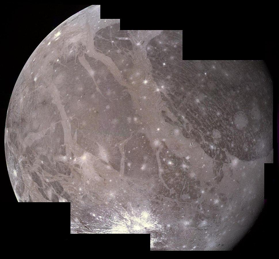 PIA00081 Ganymede Voyager 2 mosaic