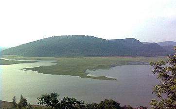 Pampa reservoir at annavaram01.jpg