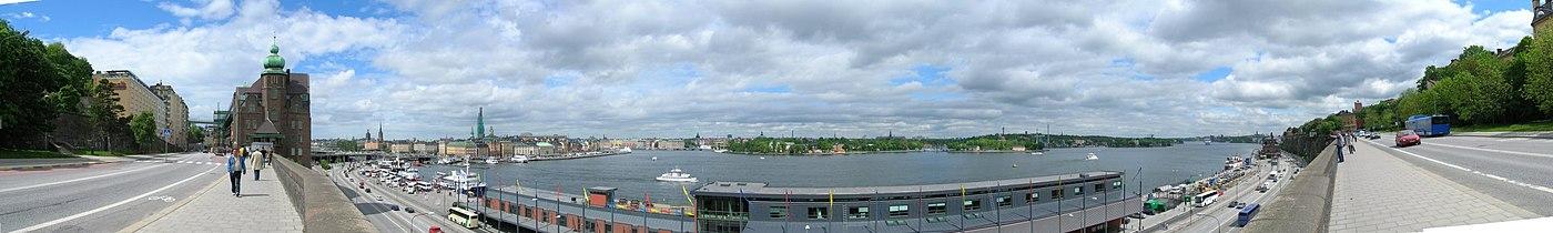 Panorama over Slussenområdet, den Gamle by, Stockholms strøm, Skeppsholmen og Stadsgården.