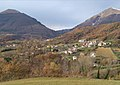 Panoramica di Rocche con lo sfondo delle montagne Gemelle.jpg
