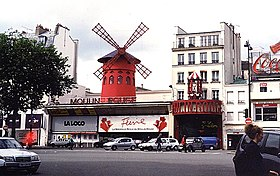 Paris 75018 Place Blanche Moulin Rouge 01c frontal.jpg
