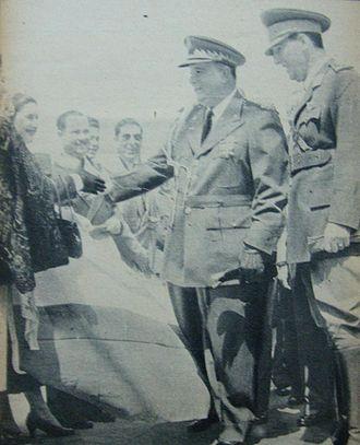 Anastasio Somoza García - Somoza (left), with Argentine President Juan Perón, in 1953.