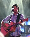 Pete Murray in 2008, with guitar (cropped).jpg