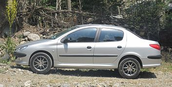Peugeot 206 SD cropped.jpg