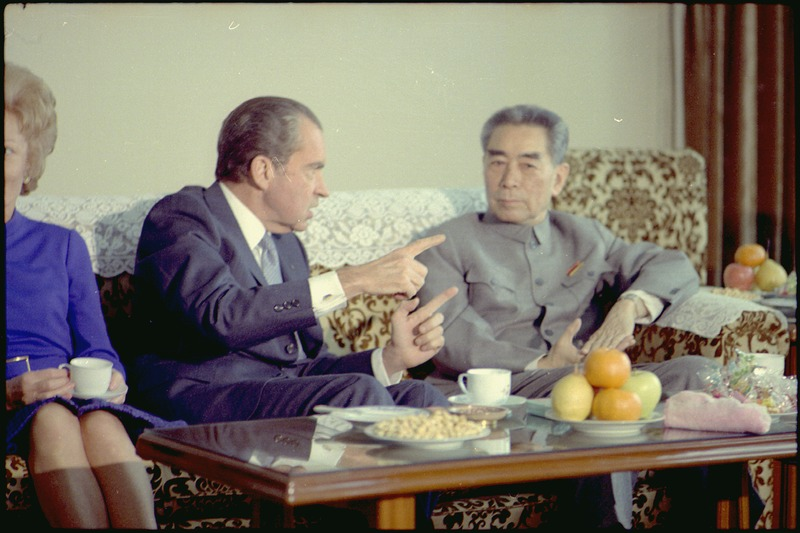 Photograph of President Richard Nixon and Premier Chou En-lai - NARA - 194409