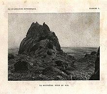 Photographie du piton du Sud de la Soufrière, au début du XXesiècle