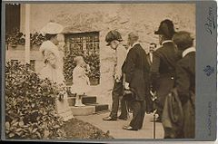 Pietzner, Carl (1853-1927) - Emperor Franz Josef I and a child.jpg