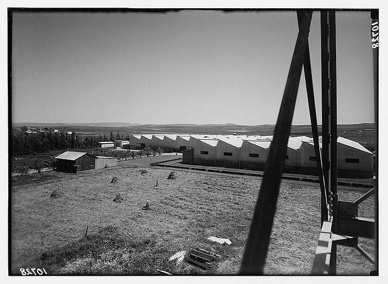 מבט על מפעל אתא ממגדל המים