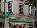 Place Carnot, Beaune - Pharmacie des Vignes (34793394524).jpg