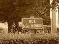 Plaque de rue de la rue Georges Bernard à Evreux.jpg