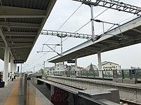 Platform of Huanggang West Station 3.jpg