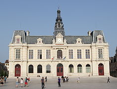Poitiers sur for Outils multifonction poitiers