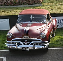 Una Pontiac Chieftain del 1951