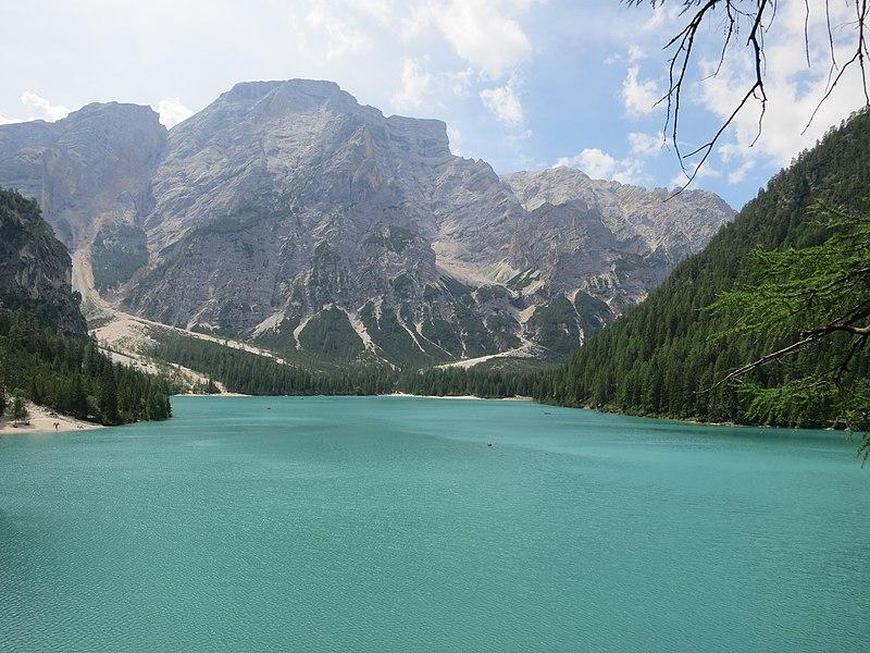 File:Pragser Wildsee 2012-08-05.jpg