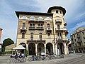 Prato della Valle - Farmacia S. Giustina - panoramio.jpg