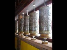 Archivo:Prayer wheels samyeling dec 09.ogv
