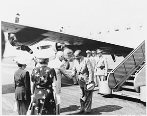 President Truman greets the President of Venezuela%2C Romulo Gallegos. They are under the presidential airplane%2C the... - NARA - 199808