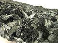 Pyrolusite-pyrol-2-20b.jpg