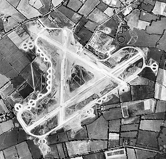 RAF Blakehill Farm - Aerial photograph of RAF Blakehill Farm, 17 July 1943. The technical and barrack sites are to the right (east) of the airfield.