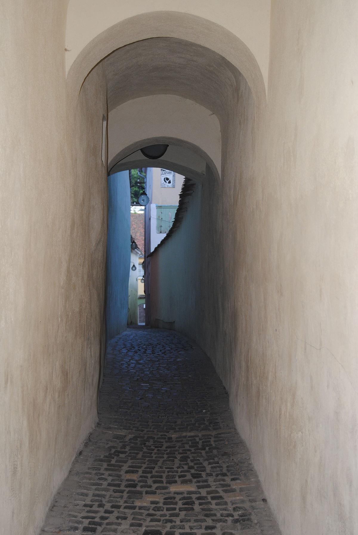 Image result for Strada Sforii din Brasov