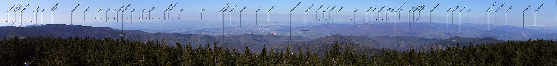 Panorama Radziejowej w kierunku zachodnim, północnym i wschodnim (na Pasmo Radziejowej, Jaworzyny, dolinę Popradu i Kotlinę Sadecką)